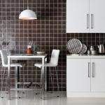 Original Style wandtegels en vloertegels, toegepast in de keuken.